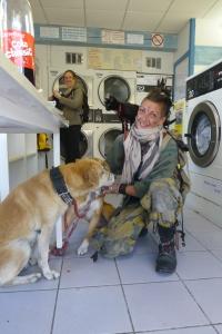 Møtte en herlig annerledes dame på vaskeriet i Frankrike.